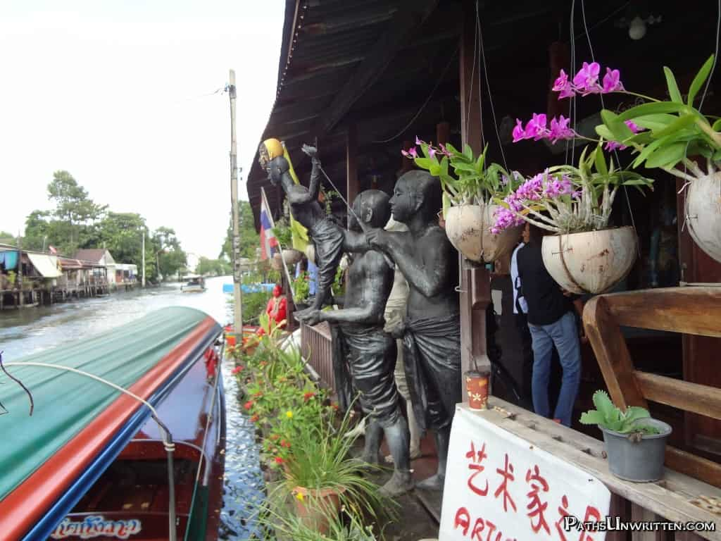 One of our last sights, a statue of puppeteers.