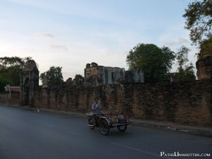 Lopburi-travel-guide-1