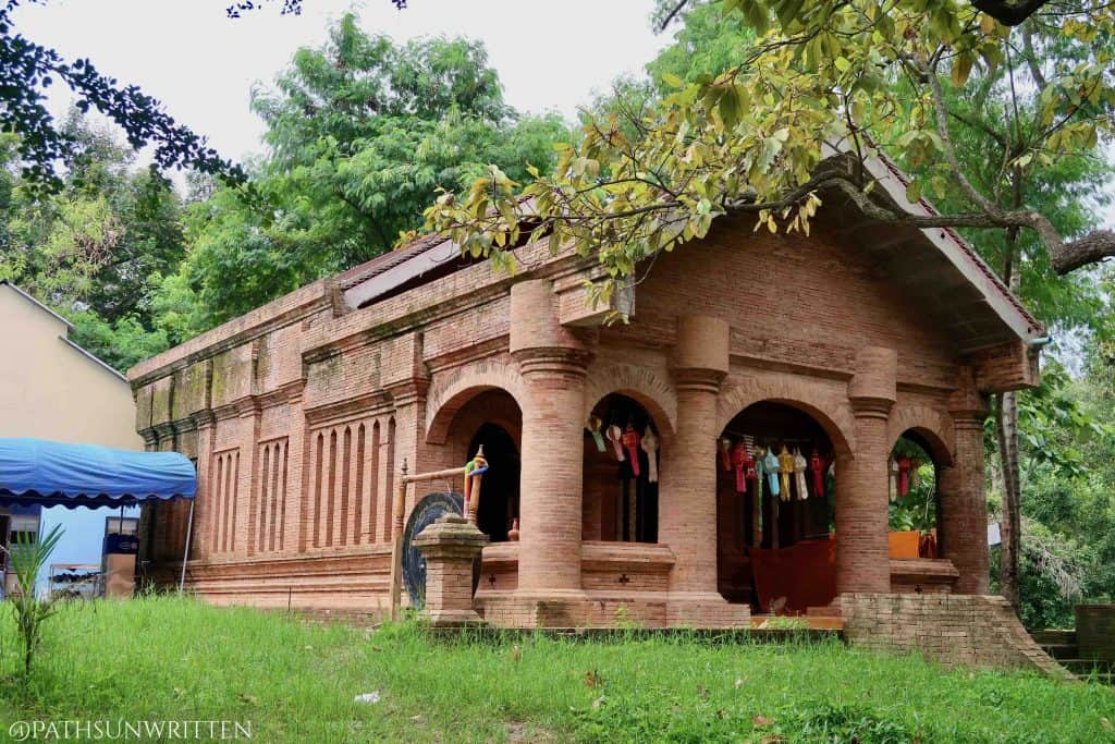 The reconstructed viharn of Wat Moo Boon.