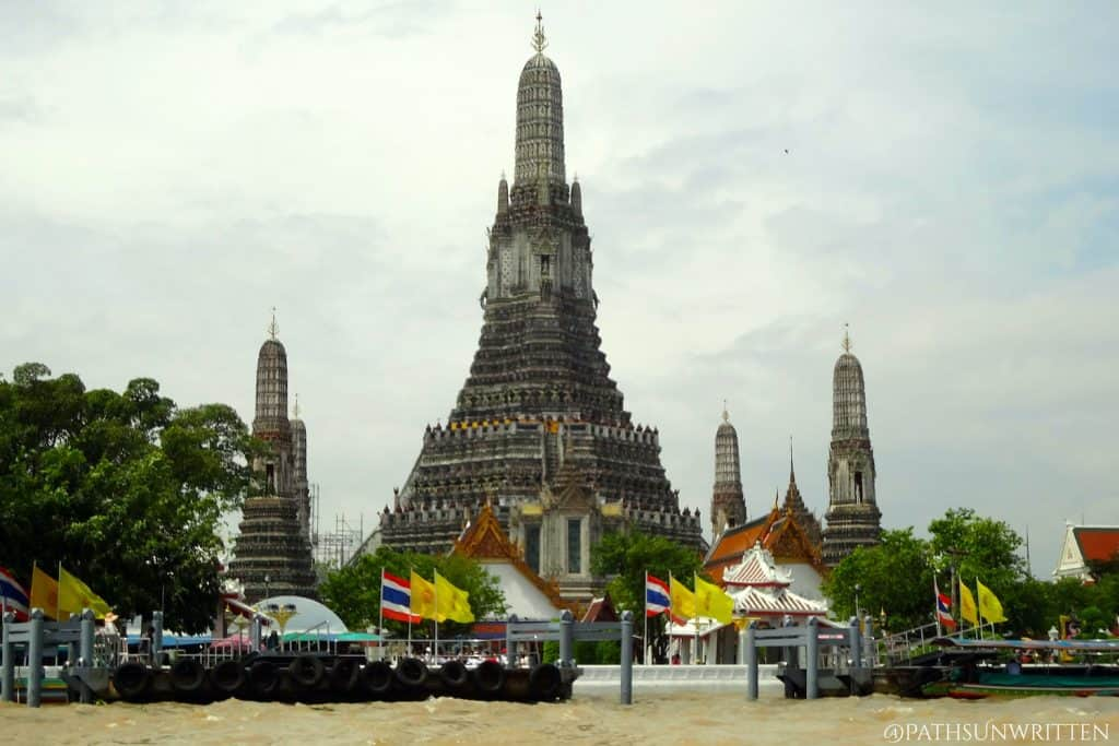 Wat Arun, the most famous Thai-style prang temple.