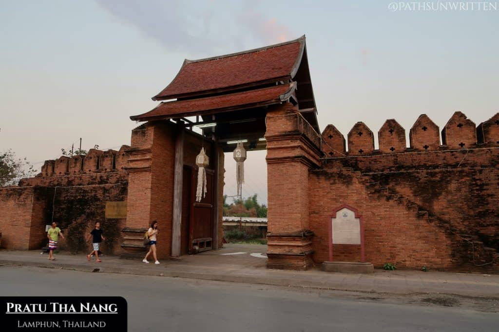 Pratu Tha Nang is Lamphun's northeastern gate and main entryway to the city from the Kuang River.
