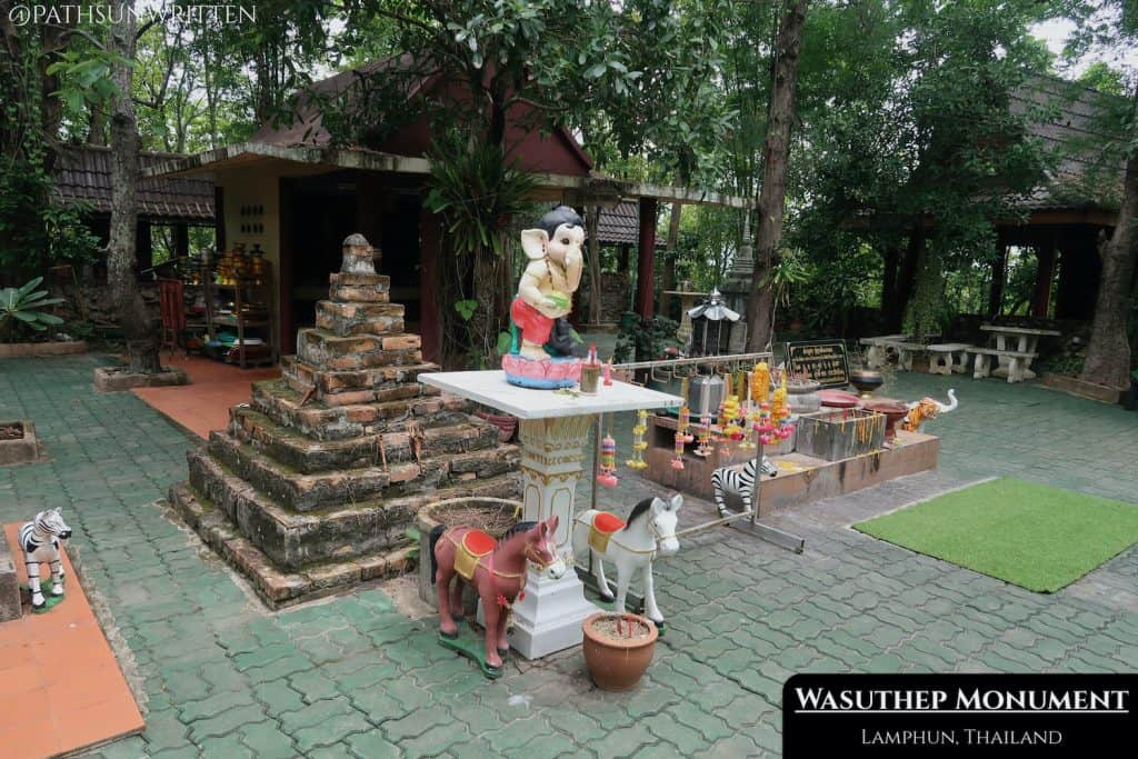 The Wasuthep Monument commemorates the legendary founder of Lamphun.