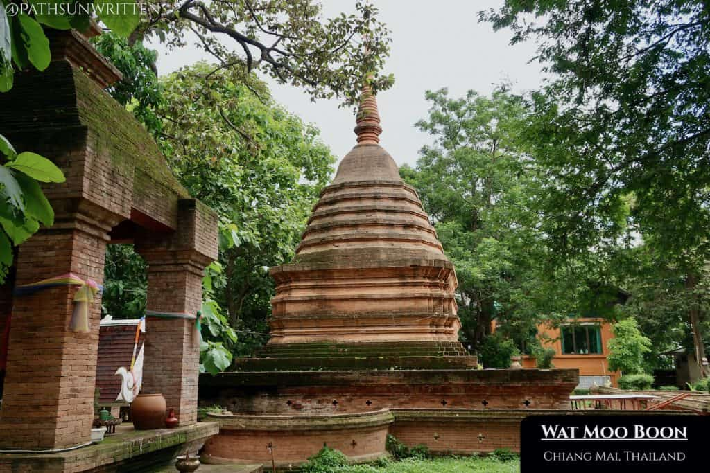 Wat Moo Boon has been rebuilt in the style of ancient Lanna brick temples.