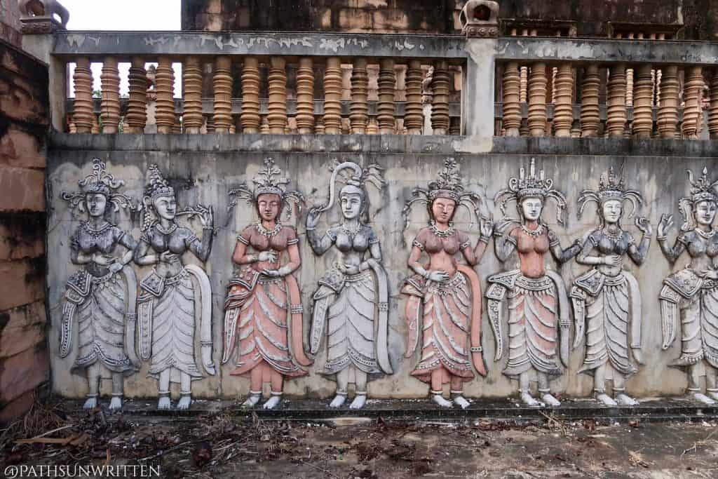 The colonettes seen above these apsara dancers were only used in window, not fences